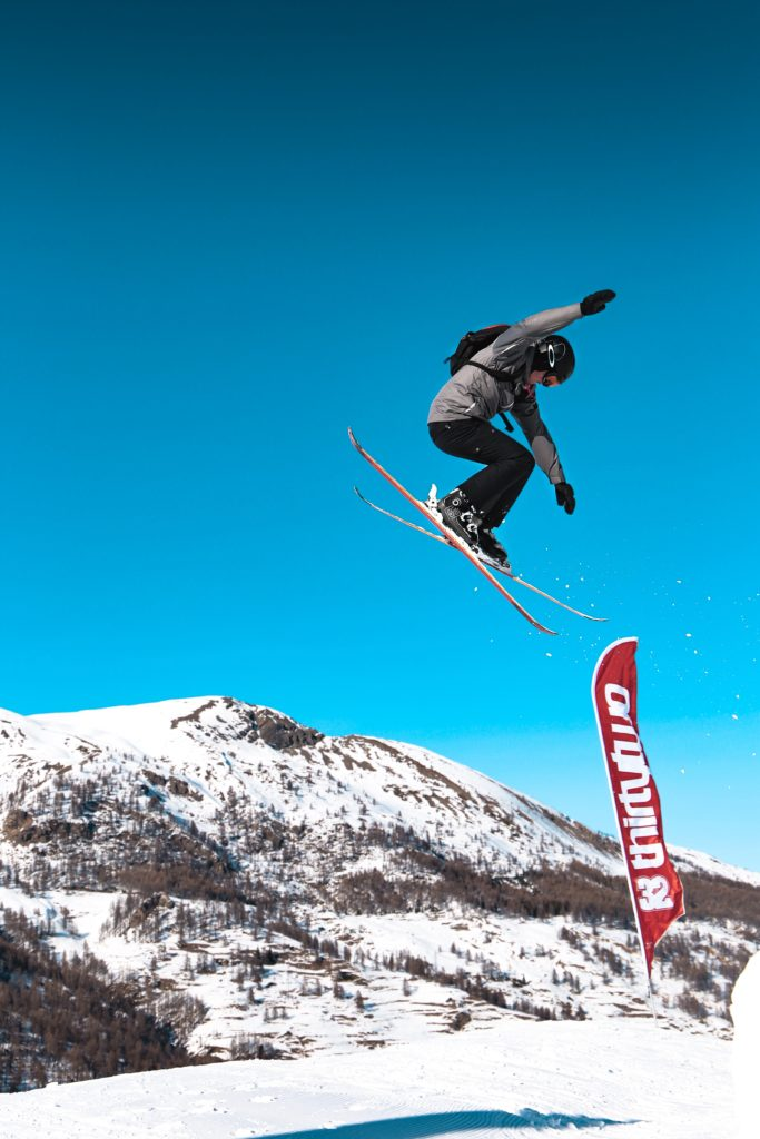 Snowboard Helmets - The Difference Between Ski and Snowboard Helmets