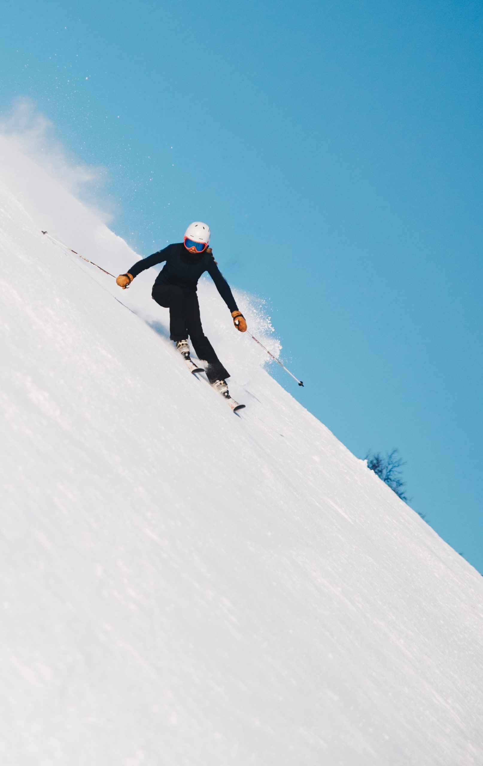 Skiing: A Few Important Tips For Beginners